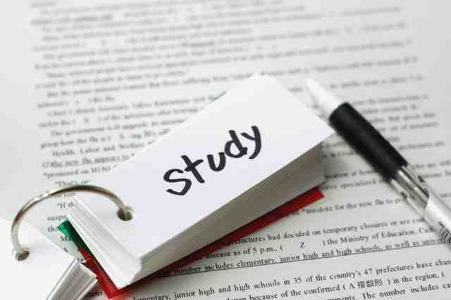 学生がWeb業界を目指す上で、英語で「読む」能力を養うべき理由
